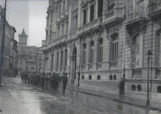 Las fuerzas defensoras de Oviedo
